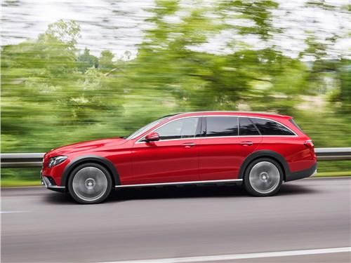 Mercedes-Benz E-Klasse All-Terrain 2017 вид сбоку