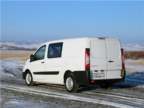 Peugeot Expert Profi Transformer 2014 вид сзади