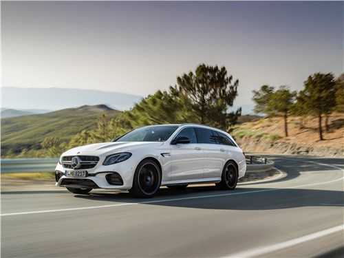 Mercedes-Benz E63 S AMG Estate 2018 вид спереди сбоку