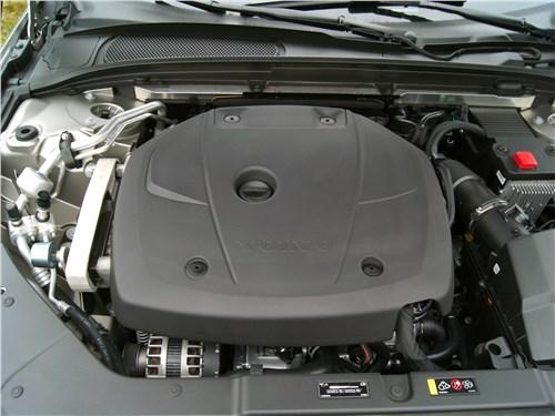 Volvo S60 2019 моторный отсек