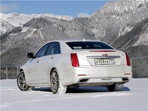 Cadillac CTS 2017 вид сзади