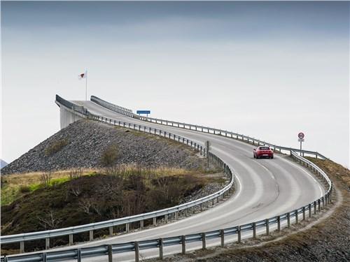Не зря это сооружение норвежцы прозвали «Мостом в никуда»