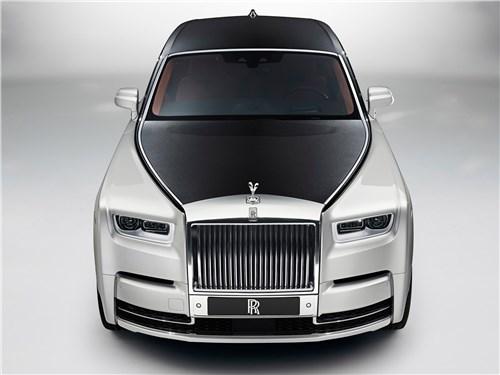 Rolls-Royce Phantom - Rolls-Royce Phantom 2018 вид спереди сверху