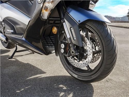 Yamaha TMAX 2017 переднее колесо
