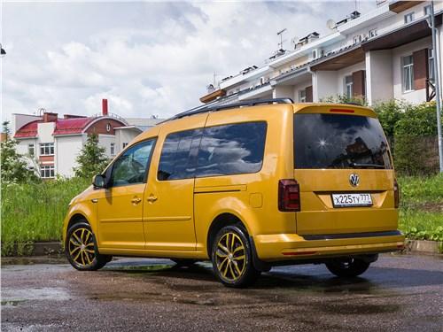 Предпросмотр volkswagen caddy family maxi 2016 вид сзади