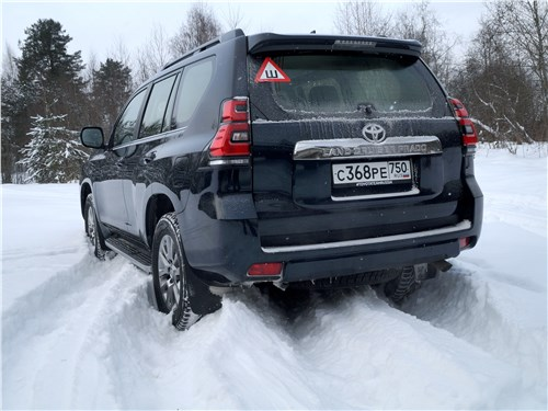 Toyota Land Cruiser Prado 2017 вид сзади