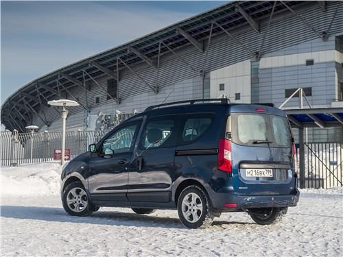 Renault Dokker - Renault Dokker 2018 вид сзади