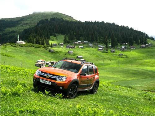 Renault Duster Dakar вид спереди