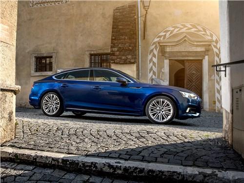 Когда Audi A5 Sportback только появился, глубокий синий цвет Scuba Blue был эксклюзивным для модели