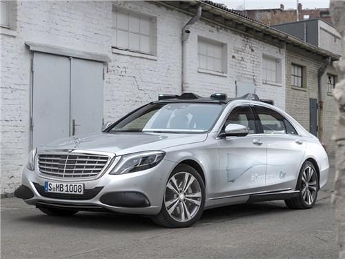 Новость про Mercedes-Benz - Mercedes-Benz разрабатывает собственный язык общения
