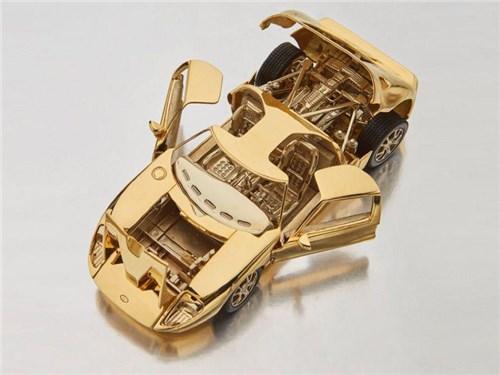Новость про Ford - золотой Ford GT