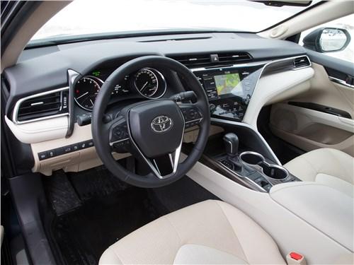Toyota Camry 2018 салон