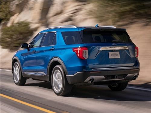 Ford Explorer 2020 вид сзади