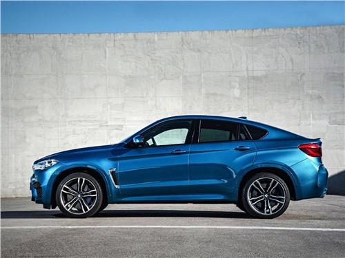 BMW X6 M 2016 вид сбоку