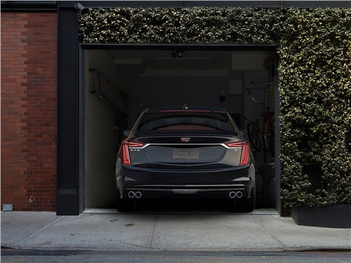 Cadillac CT6 2019 вид сзади