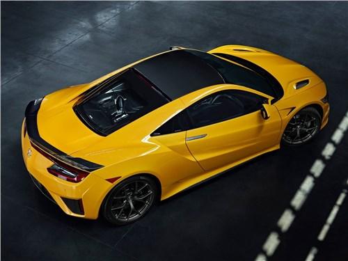 Acura NSX 2020 вид сзади сверху