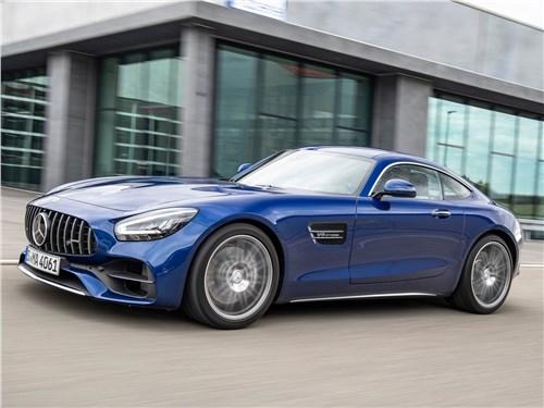 Mercedes-Benz AMG GT 2020 вид спереди сбоку