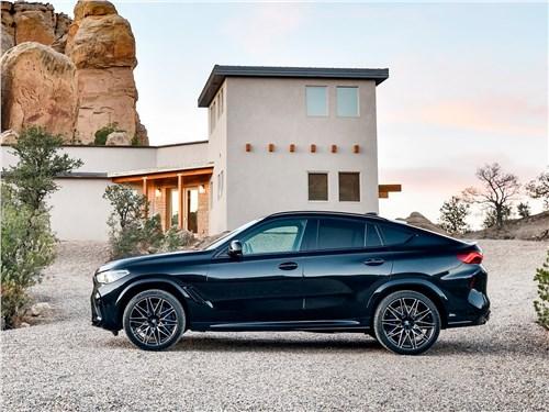 BMW X6 M 2020 вид сбоку