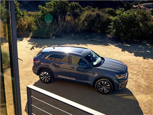 Volkswagen Atlas Cross Sport 2020 вид спереди сверху