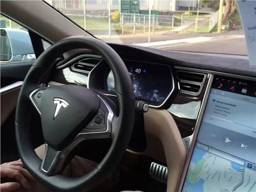 Автомобили Tesla опасны для детей