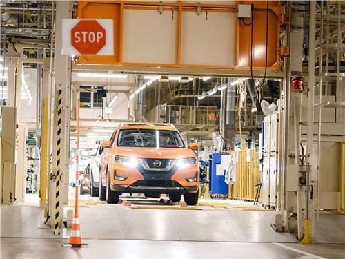 Новость про Nissan - Nissan закроет два завода и уволит почти пять тысяч человек