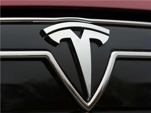 Tesla займется разработкой дизайна космических кораблей