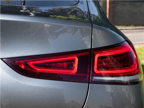 Mercedes-Benz GLE Coupe 2020 задний фонарь