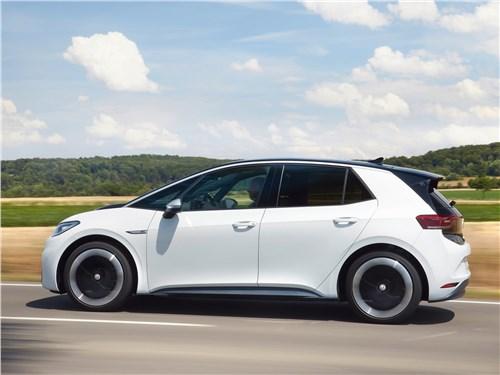 Volkswagen ID.3 - Volkswagen ID.3 (2020) вид сбоку
