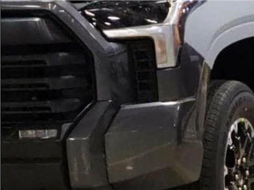 Новость про Toyota - В Сеть попали первые фото новой Toyota Tundra