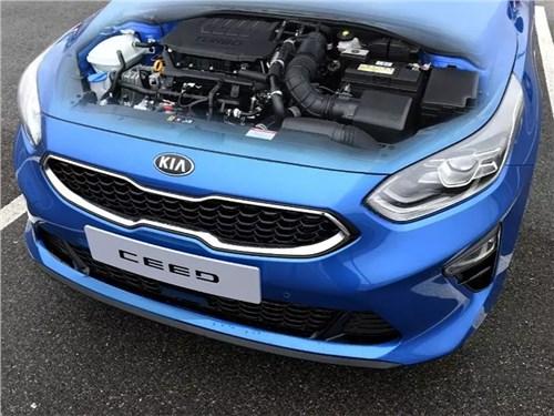 Новость про KIA - Kia Ceed обзавелся новыми моторами