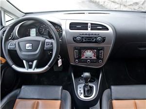 SEAT Leon FR 2012 водительское место