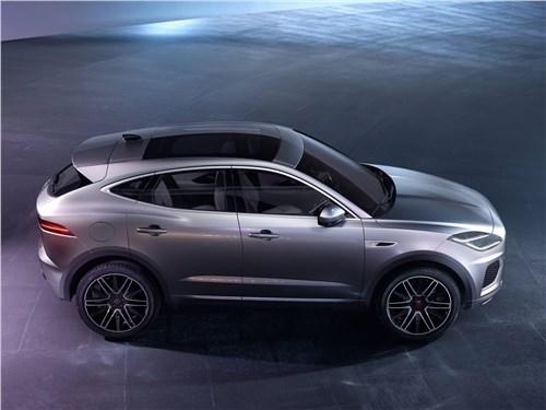Компактный спорт: Jaguar E-Pace вызывает на бой BMW X2 E-Pace - Jaguar E-Pace (2021) вид сбоку сверху