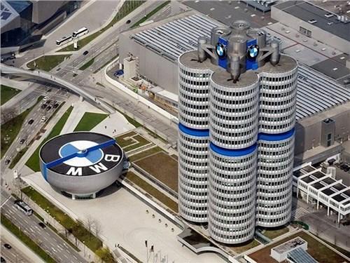 Новость про BMW - BMW собирается идти в полную электрификацию