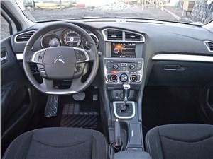 Citroen C4 sedan - Citroen C4 sedan 2013 водительское место