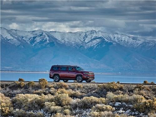 Предпросмотр jeep wagoneer (2022) вид сбоку