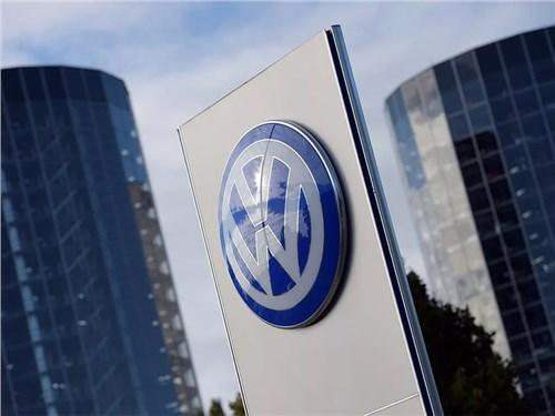 Новость про Volkswagen - Volkswagen внедряет автопилот с ограничениями