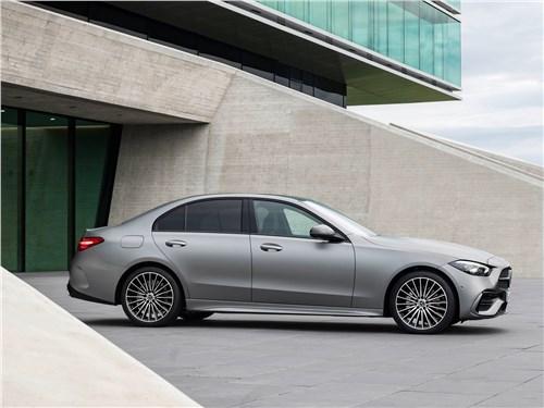 Mercedes-Benz C-Class (2022) вид сбоку