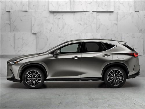 Lexus NX (2022) вид сбоку