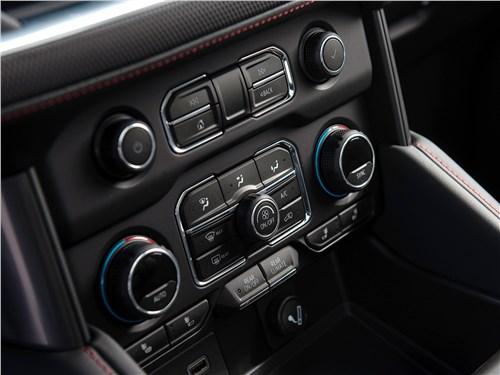 Chevrolet Tahoe (2021) управление климатом