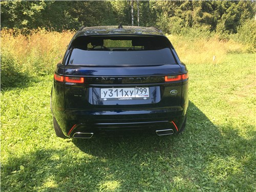 Land Rover Range Rover Velar (2021) вид сзади