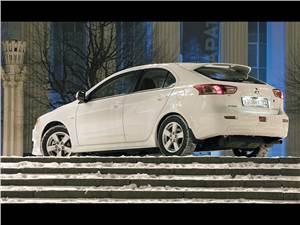 """Новый Mitsubishi Lancer - """"Mitsubishi Lancer"""" переоделся"""