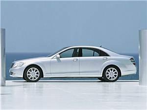 "Новый Mercedes-Benz S-Class - Флагман ""Mercedes-Benz"" стал больше и мощнее"