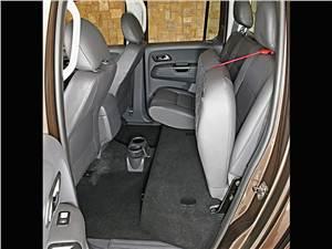 Предпросмотр volkswagen amarok 2010 предоставляет возможность поднять подушку заднего сиденья