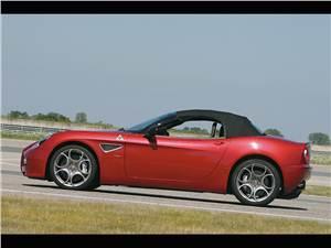Alfa Romeo 8C Spider -