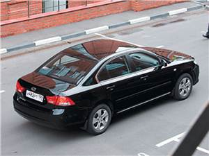 Солидно и доступно (Hyundai Sonata V, Kia Magentis, Chevrolet Evanda) Magentis -