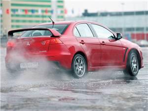 Mitsubishi Lancer Evolution <br />(седан)