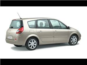 100-процентная практичность (Renault Grand Scenic, Honda Stream, VW Touran) Grand Scenic