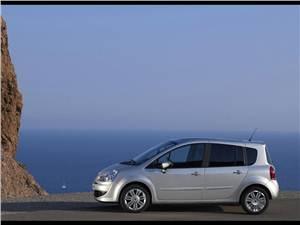 Высокая крыша (Honda Jazz, Mercedes-Benz A-Klasse, Peugeot 1007, Mitsubishi Colt, Renault Modus) Modus -