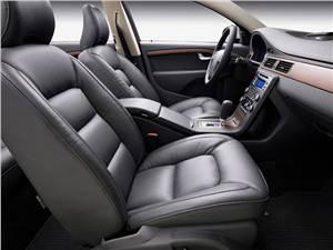 Предпросмотр volvo v70 2007 отличается хорошо спрофилированными передними креслами