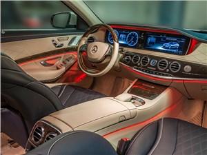 Mercedes-Benz S-Klasse 2013 водительское место